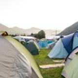 フェスのキャンプで本当に役に立ったグッズ5選。おすすめテントやチェアも